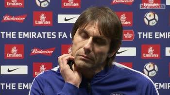 Conte calls Mourinho 'a little man'