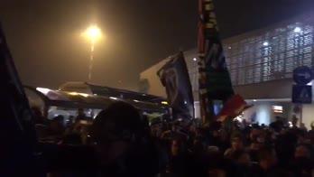 atalanta tifosi festa dopo vittoria a roma
