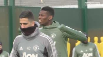 Sanchez gets stuck in at Utd