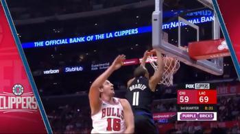NBA, Avrey Bradley raccoglie l'alley oop da Tobias Harris