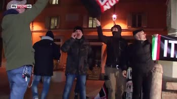 Bologna, scontri tra centri sociali e polizia