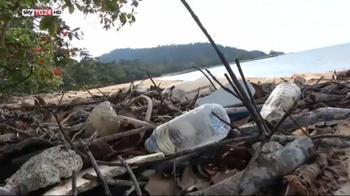 Plastica in mare, Soldini avverte che l'oceano è al tracollo