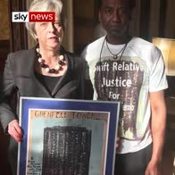Artist gives painting of Grenfell to PM