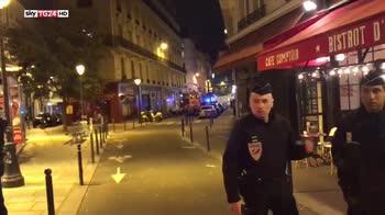accoltella passanti a parigi ucciso aggressore