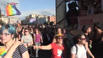 Roma pride, almeno in mezzo milione per i diritti LGBT