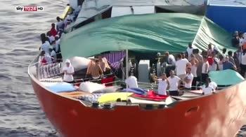 ERROR! Migranti, alle 6 l'arrivo della prima nave a Valencia