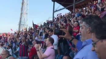 Cosenza, invasione rossoblù: 8mila tifosi all'Adriatico