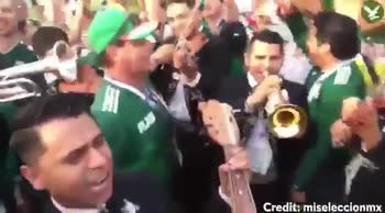 Trombe, chitarre e simpatia: show dei messicani al Luzhniki
