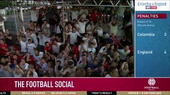 Heskey celebrates England win!