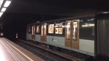 Scommessa persa, canzone francese nella metro di Bruxelles