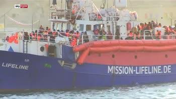 ERROR! Salvini, barca con 450 clandestini non in italia