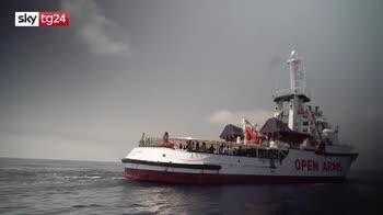 Migranti, Openarms verso la Spagna