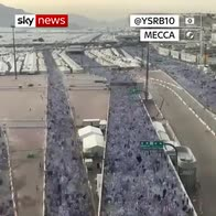 Time-lapse shows thousands of Mecca pilgrims