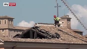 Crollo tetto chiesa Roma, nessun ferito