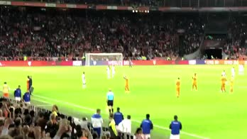 Sneijder sostituito per l'ultima volta con la maglia Orange