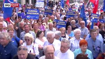 ERROR! Manifestazioni contro Orban in Ungheria