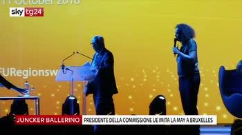 Il presidente Juncker balla imitando May