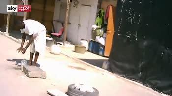 Foggia, poliziotti aggrediti in un ghetto