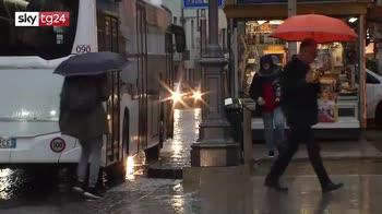 Maltempo nordest, scuole chiuse a Belluno, acqua alta a Venezia