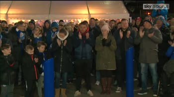 Leicester fans hold vigil for Vichai