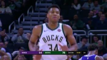 NBA, Antetokounmpo vola a schiacciare l'alley-oop