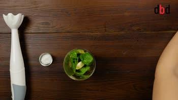 Ricette con l'avocado: noodles di zucchine