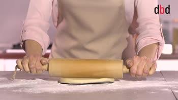 Ricette con pasta brisée: croissant al radicchio, fontina e noci