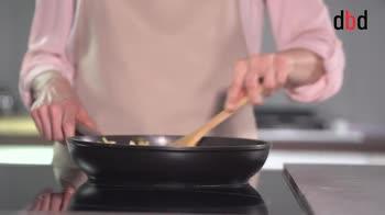 Ricette con pasta brisée: strudel salato porri, carciofi e zola