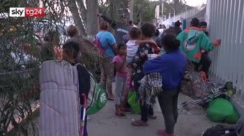 Carovana migranti, 10mila persone in viaggio verso confine Usa-Messico