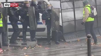 ERROR! Francia, governo decide rinvio tasse ma ai gilet gialli non basta piu'