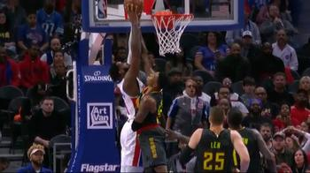 NBA, che stoppata Kent Bazemore contro Detroit