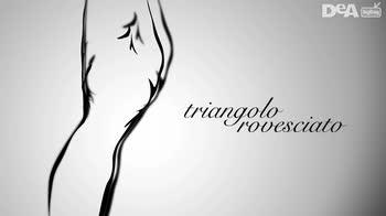 Moda anni 50: look giorno per valorizzare la donna triangolo rovesciato