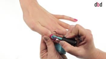 Idee nail art: reverse french tiffany