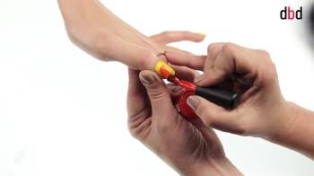 Idee nail art: reverse french arancione