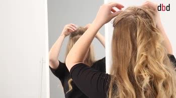 Hairstyle: come fare un semiraccolto per capelli mossi