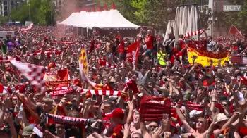 VIDEO. inno Liverpool strade Madrid pre finale champions
