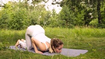 Yoga per bambini: Vrischikasana