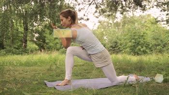 Yoga per bambini: Parivrtta Parsvakonasana