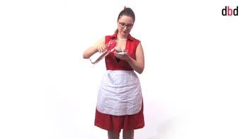 Housekeeping - Le pulizie settimanali in cucina: il forno tradizionale e a microonde