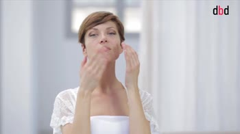 Cura del viso: come applicare la crema idratante