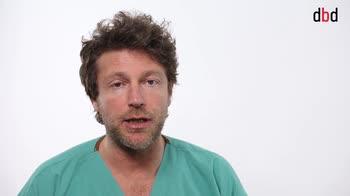 L'ortopedico risponde: come si possono limitare i danni delle posture scorrette legate al lavoro?