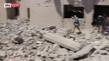 yemen, raid contro un carcere, più di 100 morti