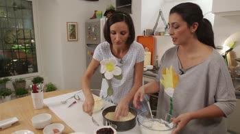 La cucina delle ragazze – Crostata visciole e ricotta