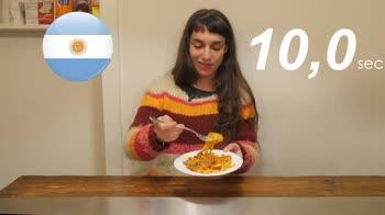 The Pillow - Gli stranieri mangiano il ragu' italiano?