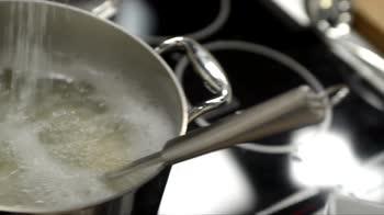 Max cucina l'Italia – Cacio e pepe