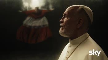 The New Pope: Lenny, Sir John e la Chiesa