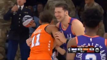 Video NBA, magia di Luka Doncic da centrocampo