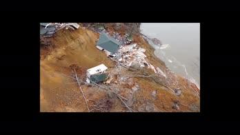 Usa, due case crollano per le frane sul fiume Tennesse