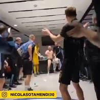 Manchester City, festa matta negli spogliatoi di Wembley