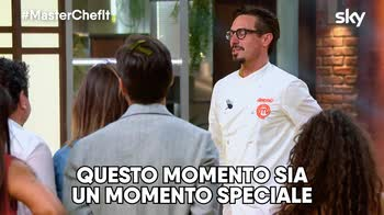 VIDEO La proposta di matrimonio di Antonio a Masterchef 9